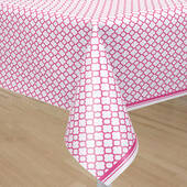 Hot Pink Quatrefoil Plastic Table Cover - Rectangle