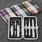 Plaid Design Manicure Set