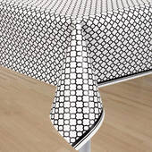 Black Quatrefoil Plastic Table Cover - Rectangle